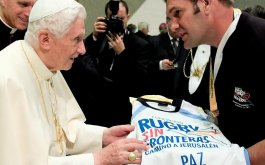 Benedicto XVI recibio a Rugby Sin Fronteras
