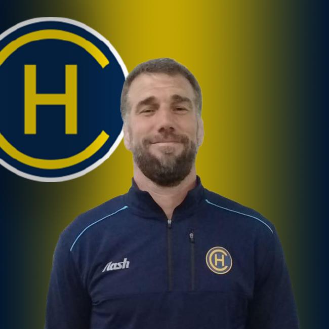 "<strong class=""sp-staff-role"">Coach</strong> Lucas Ostiglia"
